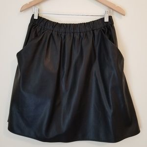 Slate & Willow Skirts - Slate&Willow faux leather mini skirt w/pockets!